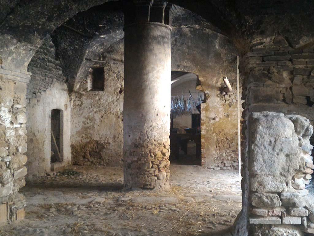Castello-longobardo-Sichinulfo-Grottole-2-lucana-film-commission-promozione-industria-cinema-audio-visivo-fiction-serie-tv-spot-documentari-basilicata