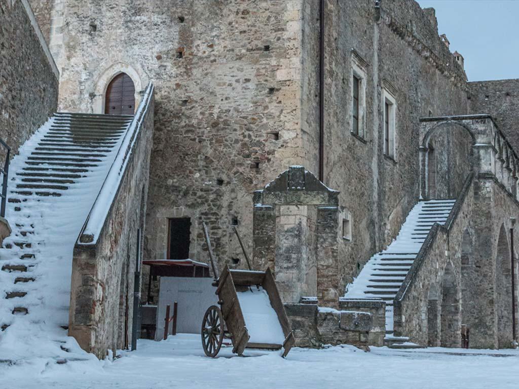 castello-del-malconsiglio-miglionico-4-lucana-film-commission-promozione-industria-cinema-audio-visivo-fiction-serie-tv-spot-documentari-basilicata