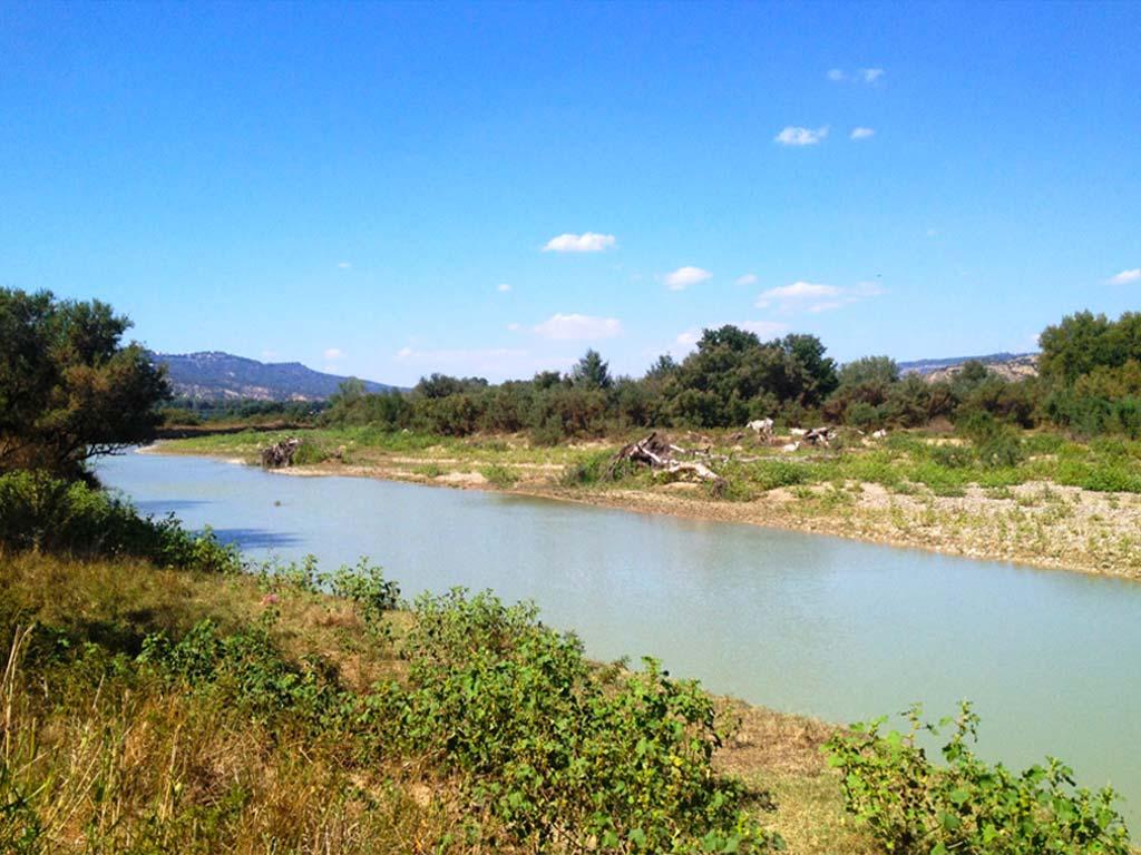 fiume-basento-1-lucana-film-commission-promozione-industria-cinema-audio-visivo-fiction-serie-tv-spot-documentari-basilicata