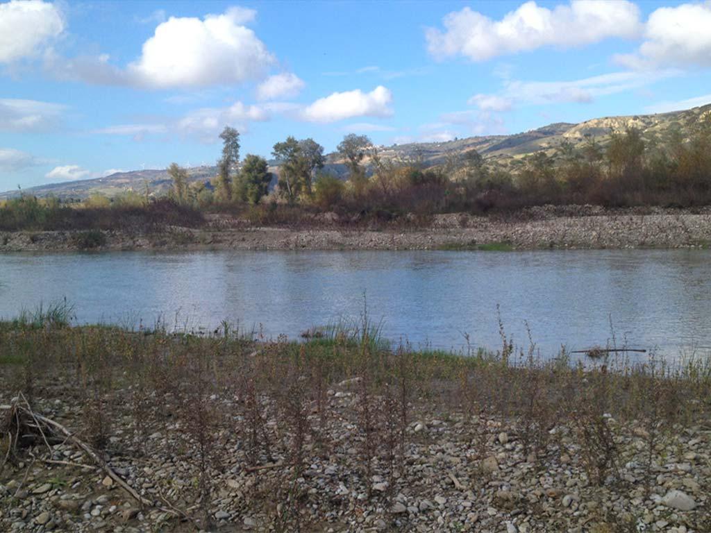 fiume-basento-4-lucana-film-commission-promozione-industria-cinema-audio-visivo-fiction-serie-tv-spot-documentari-basilicata